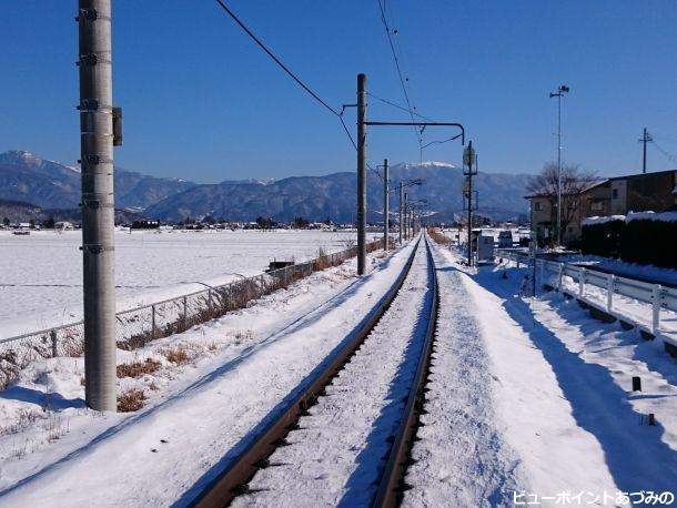 鉢伏山へ続く鉄路