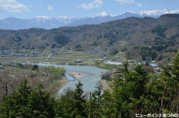 雪代で白濁する犀川