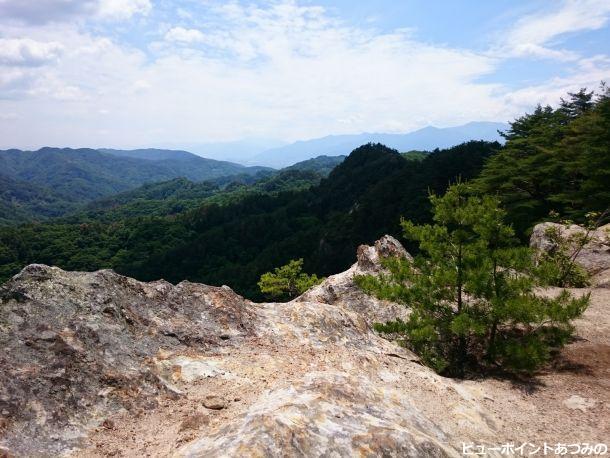 岩洲の屏風岩