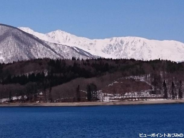 青木湖と白馬岳