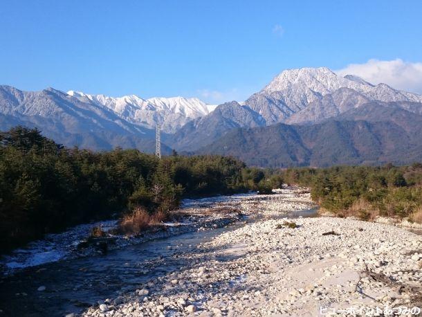 中房川と北アルプス