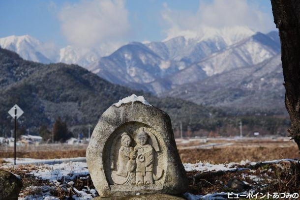 雪の道祖神