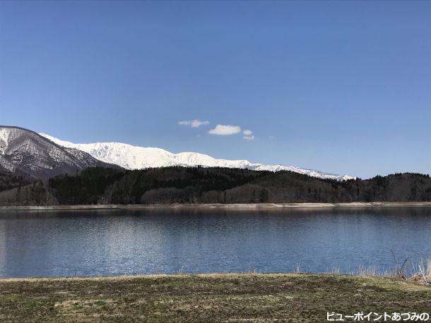 春を待つ青木湖