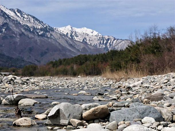 鹿島川と鹿島槍ヶ岳