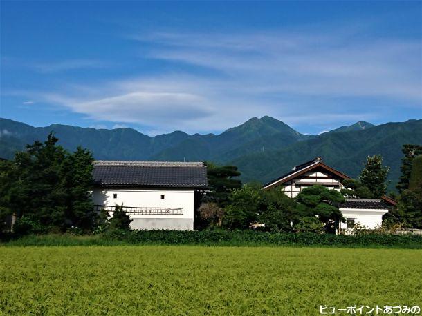 稲穂と土蔵と常念岳
