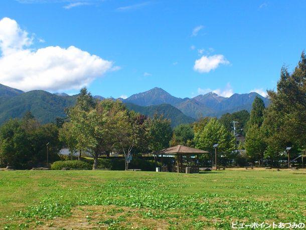 秋晴れの常念岳