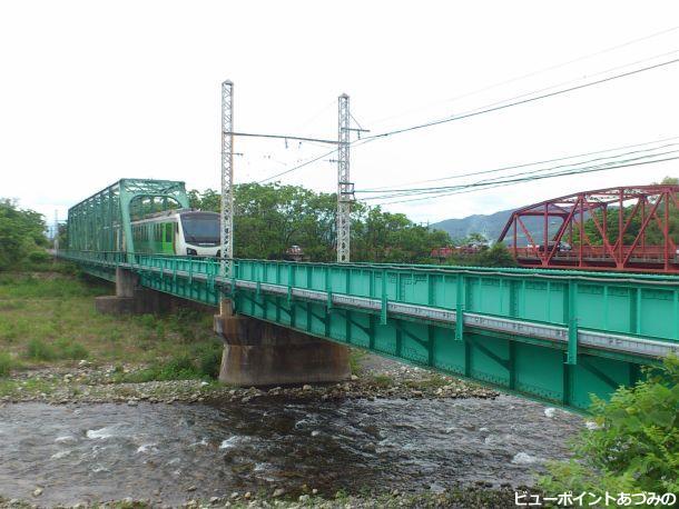 緑のトラス橋